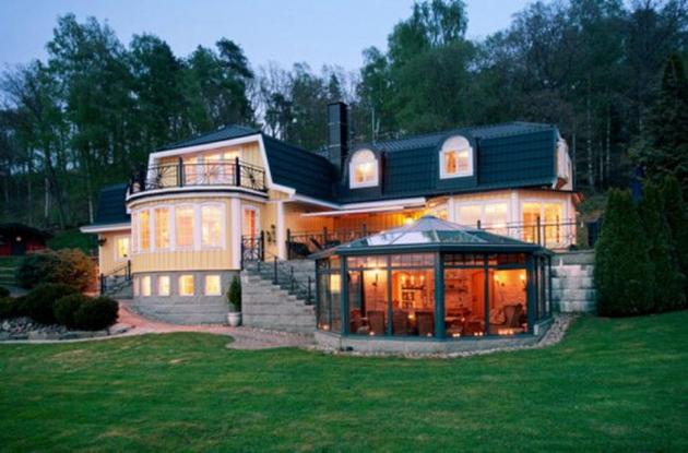 Будинки зі скла і бетону. Скляні будинки