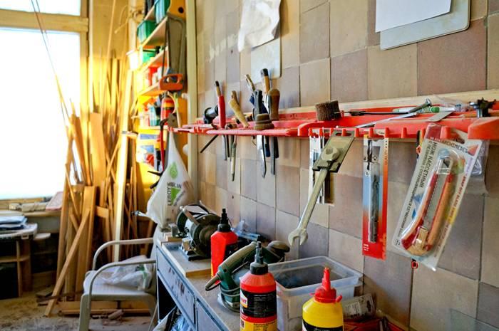 Саморобні пристосування для домашньої майстерні. Саморобні пристосування для майстерні