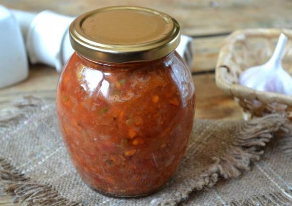 Варена аджика з помідор. Аджика з помідорів і часнику: класичний рецепт на зиму