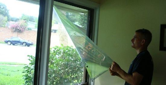 Чим очистити вікно від сонцезахисної плівки. Прибираємо сонцезахисну плівку з вікон