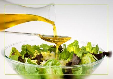Різниця між рафінованою і нерафінованою олією. Рафінована і нерафінована олія шкода і користь