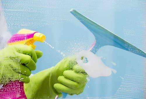 Розчин для миття вікон в домашніх умовах. Нашатир для миття вікон-все про чудодійний засіб